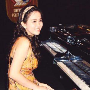 Ms Cindy - Piano Teacher