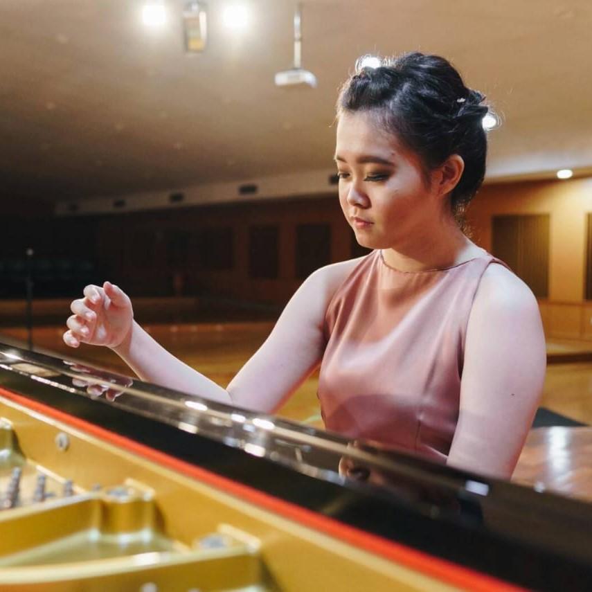 Ms Lidya - Piano Teacher