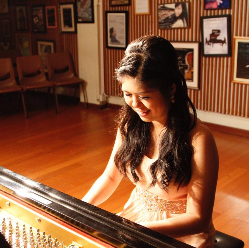 Ms Vivian - Piano Teacher